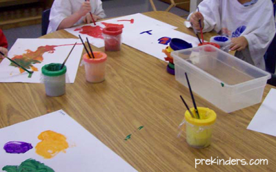 Teaching kids to use tempera paint