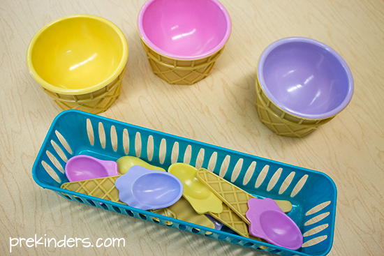 Ice Cream Shop Dramatic Play bowls and spoons
